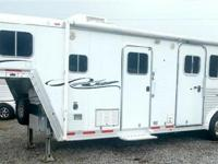 2004 FEATHERLITE 3 HORSE 8310 LIVING QUARTERS, This