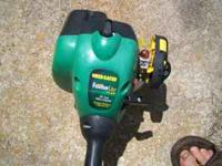 Weedeater Featherlite weedeater, like new, runs great,