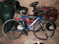 Beautiful Red Felt S32 Triathlon bike. 2007 model in