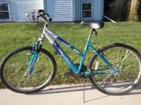 Roadmaster 18 speed bike in good condition, small tear