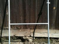 "44""x70"" Fence frame Asking $10 Located in visalia cross"