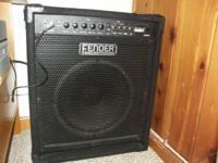 Fender Rumble 60 in excellent condition. Very sturdy,