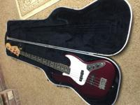This is a fantastic Fender Jazz Bass. It is the classic