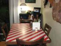 This table looks good year round, but the candy stripe