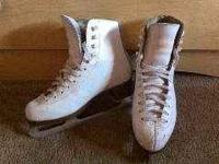 Jackson artiste figure skates girls sz 1 some scuff