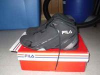 I have a pair of size 8.5 mens basketball shoes for