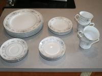 20 piece (4 each dinner plates, bread plates, footed