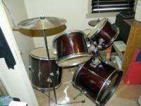 Type:DrumsBarely used year 2005 or 2006. New $300 plus