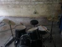 I have a rarely used 1 year old 6 piece Jr drumset with