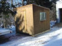 "8' x 7' 6"" Fish house Great condition New 4x6 outside"