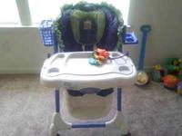 I am selling my childs high chair,in perfect condition.