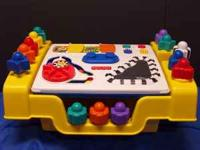FISHER PRICE FLIP-TOP ACTIVITY TABLE This Fisher Price