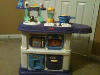 Fisher Price Grow-With-Me Kitchen Used, but still in