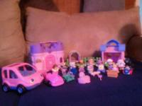 Fisher Price Little People Lot EUC-smoke and pet free
