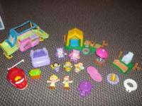 In excellent condition. Very cute set with lots of