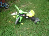 Good shape trike perfect for 2-4 yr olds.