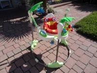 This baby bouncer is in perfect condition and is in