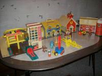 I'm selling my early 1970's fisher price play sets .I