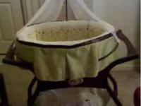 Trying to sell this Fisher Price Zen Bassinet, asap.