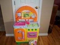 Fisher-Price Dora's Talking Kitchen. Perfect CLEAN
