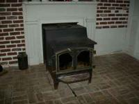 Momma Bear wood stove by Fisher. Price $75,, excellant