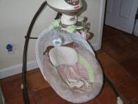 A great swing for infants and babies up to 25lbs. Has