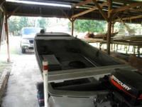 13 foot fiberglass tri-hull fishing boat with 2003, 6