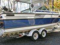 25' Hard top Regal fishing boat, 350 Chevy 260 HP 5.7