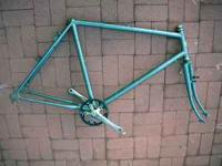 This is a schwinn Steel frame size ~54 cm from center