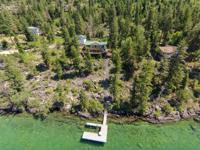 Beautiful 3 bedroom 2.5 bath home on the Eastshore of