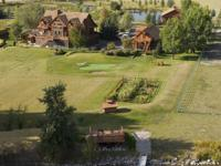 .Classic Montana countryside River Estate on 10 acres