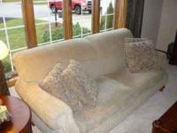 Couch- 80 inches long-made by flexsteel(bought at Van