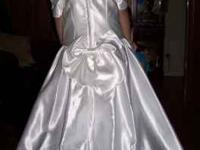 This satin Flower Girl dress w/beautiful appliques is a