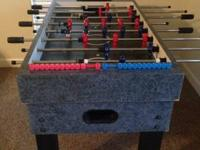 Foosh ball table in great condition has a digital