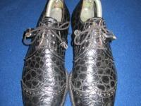 Uncommon find, these classic men's size 10B Footjoy