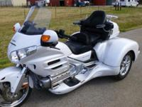 This is a beautiful Pearl Alpine White CSC trike with