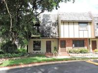 Gorgeous townhouse/condo right on 67th and Miller Drive