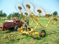 FOR SALE 8 WHEEL VERRMER HAY RAKE (IT IS ONLY TWO YEARS