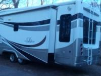For Sale 2008 DRV Moblie Suites 5th Wheel.