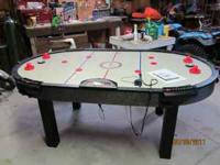 For sale is a nice air hockey game in very good cond.