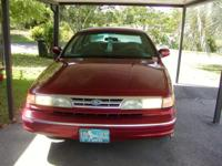Description ford 1996 crown victoria,maroon,ex`