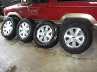 Hello, For sale are 4 Lincoln Navigator wheels with