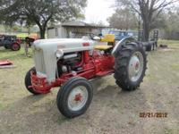 Ford 850 tractor. 40 HP (Gas ). very good condition,