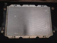 Radiator F-150/F250/F350 and Bronco v8 302 and