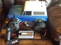 hi I'm selling my rc rock crawler ford bronco its a