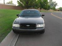 Ford crown victoria 2005 grey/grey $2499 has