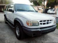 Ford Explorer XLT '00, with cold A/C, power locks and