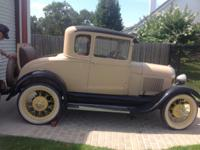 Beautiful fully restored 1929 Ford Model A Coupe /