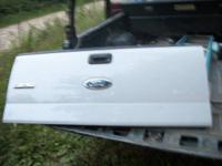 i have a2004 2008 ford truck tailgate it is in very