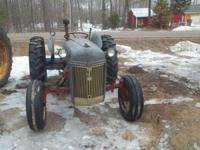 ford 9N tractor very good rubber 6V runs great has back